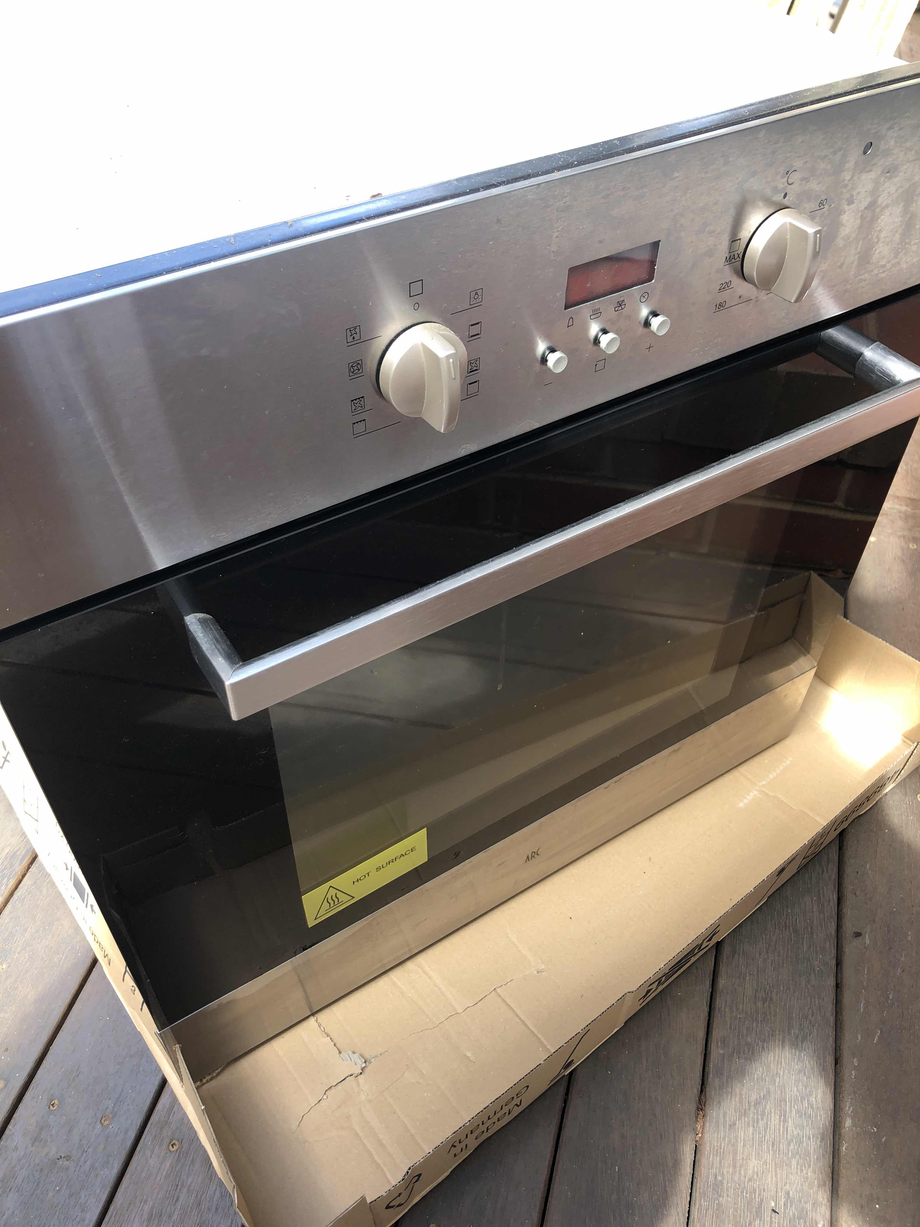 Oven repairs at Pascoe Vale South By Electrical Services Melbourne Pty Ltd via i4Tradies