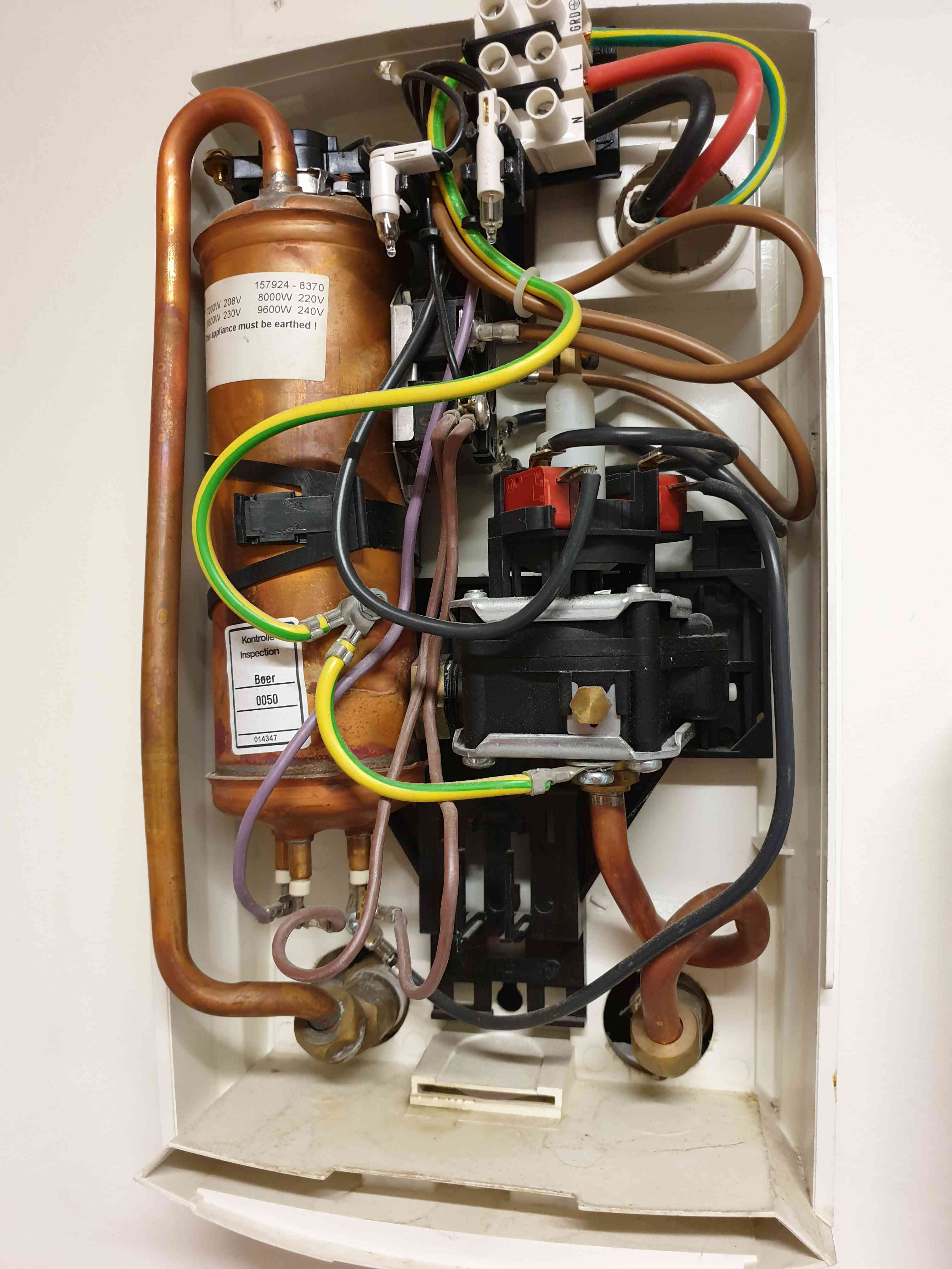 Hot Water system repair at Keilor East Victoria By P.A.D Plumbing & Maintenance Pty Ltd via i4Tradies